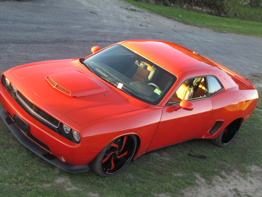 <span>2013 Dodge Challenger Project Cover</span></p>